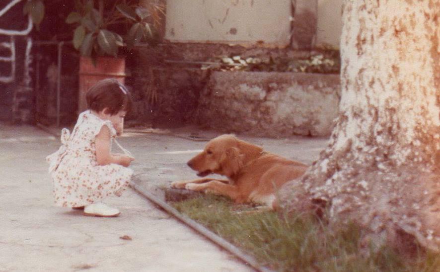 Karla y perro de la abuela